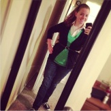 Wednesday: Another green outfit for SJ!