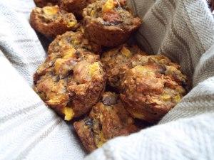 Banana-Peach Oatmeal Muffins from Mancktastic!